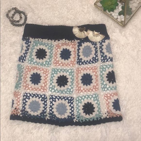 Dresses & Skirts - Boho crochet mini skirt